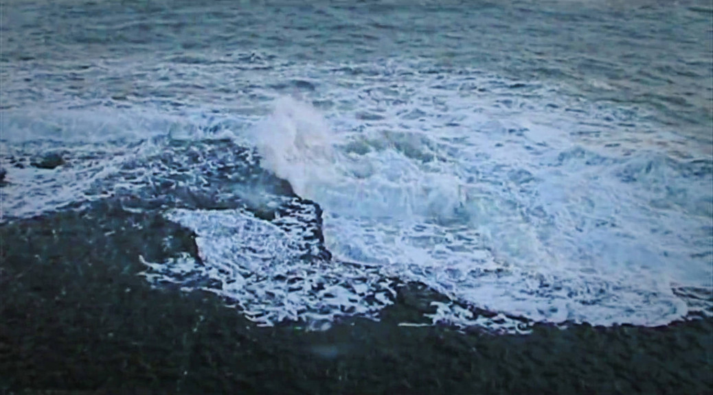 Waves breaking on Dancing Ledge